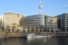 Berlin rzeka Sprewa i wieża telewizyjna